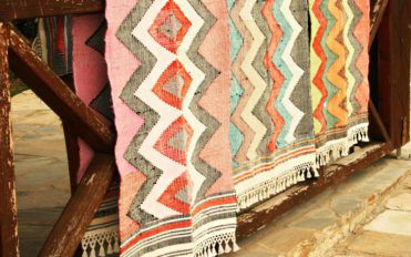 Things to keep in mind while buying patio rugs