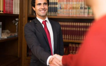 Things to know before hiring a bankruptcy lawyer
