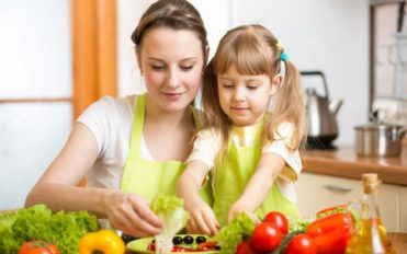Things to remember while you teach your kids how to cook