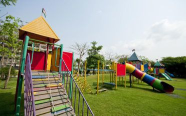 Three-step maintenance of outdoor playsets
