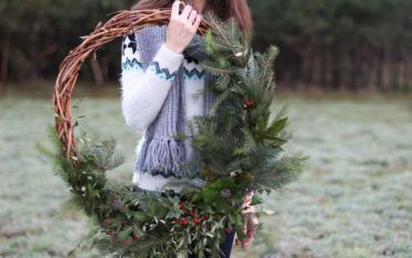 Tips for choosing outdoor Christmas wreaths
