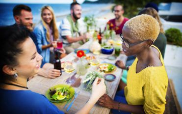 Tips for hosting an amazing outdoor party