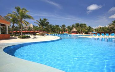 Tips for selecting the right pool contractor