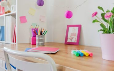 Tips on choosing the right desk for your kids