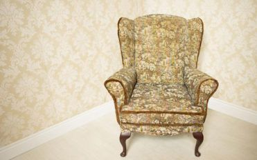 Tips on cleaning old furniture