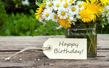 Tips on writing a personal message on birthday cards