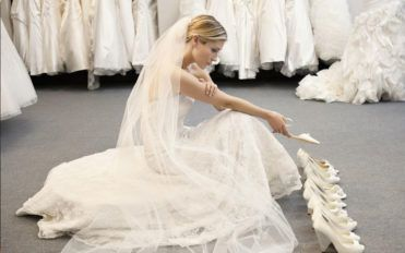 Tips to choose the right wedding dress as per your body type