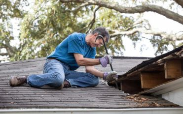 Tips to consider when choosing a roofing contractor