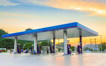 Top 6 gas companies to fill up at your next stop