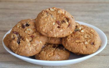 Two mouth watering oatmeal and raisin cookie recipes