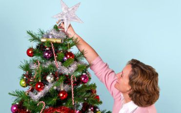 Types of Christmas tree toppers you can choose from for the holiday season