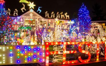 Types of outdoor Christmas lights you can choose from