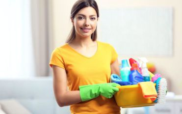 What are the different types of bathroom cleaners