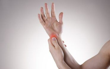 What measures can be taken to treat carpal tunnel