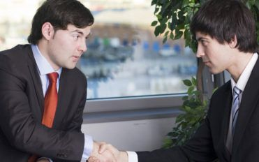 Why should an organization hire a business lawyer