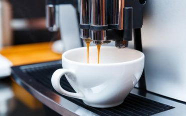 Benefits of using modern coffee makers with grinders