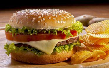 How to make a simple buffalo burger at home