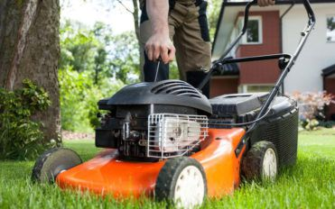 Everything you need to know about zero turn riding lawn mowers